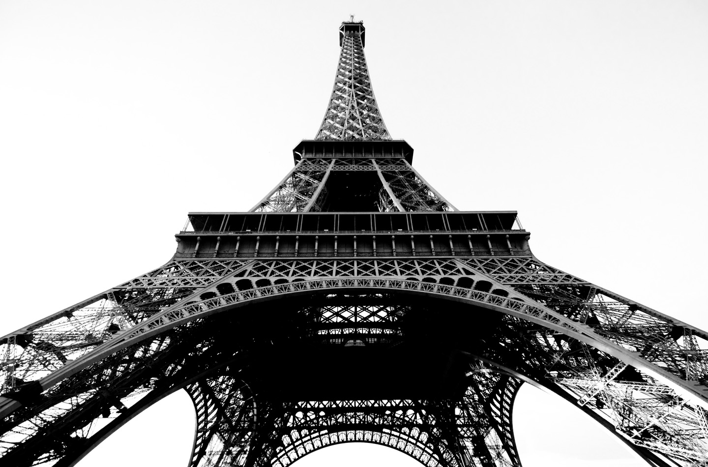 Paris france eiffel tower b w places 2 explore for Eiffel tower mural black and white
