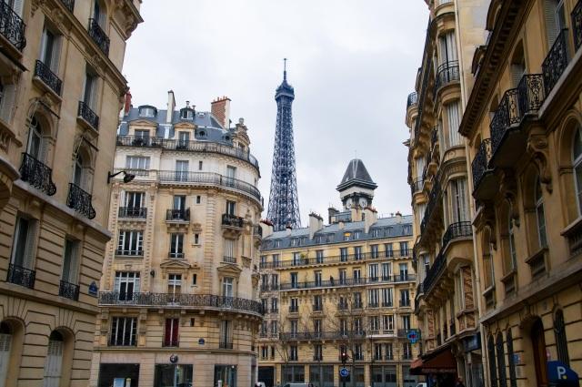Paris street Eiffel