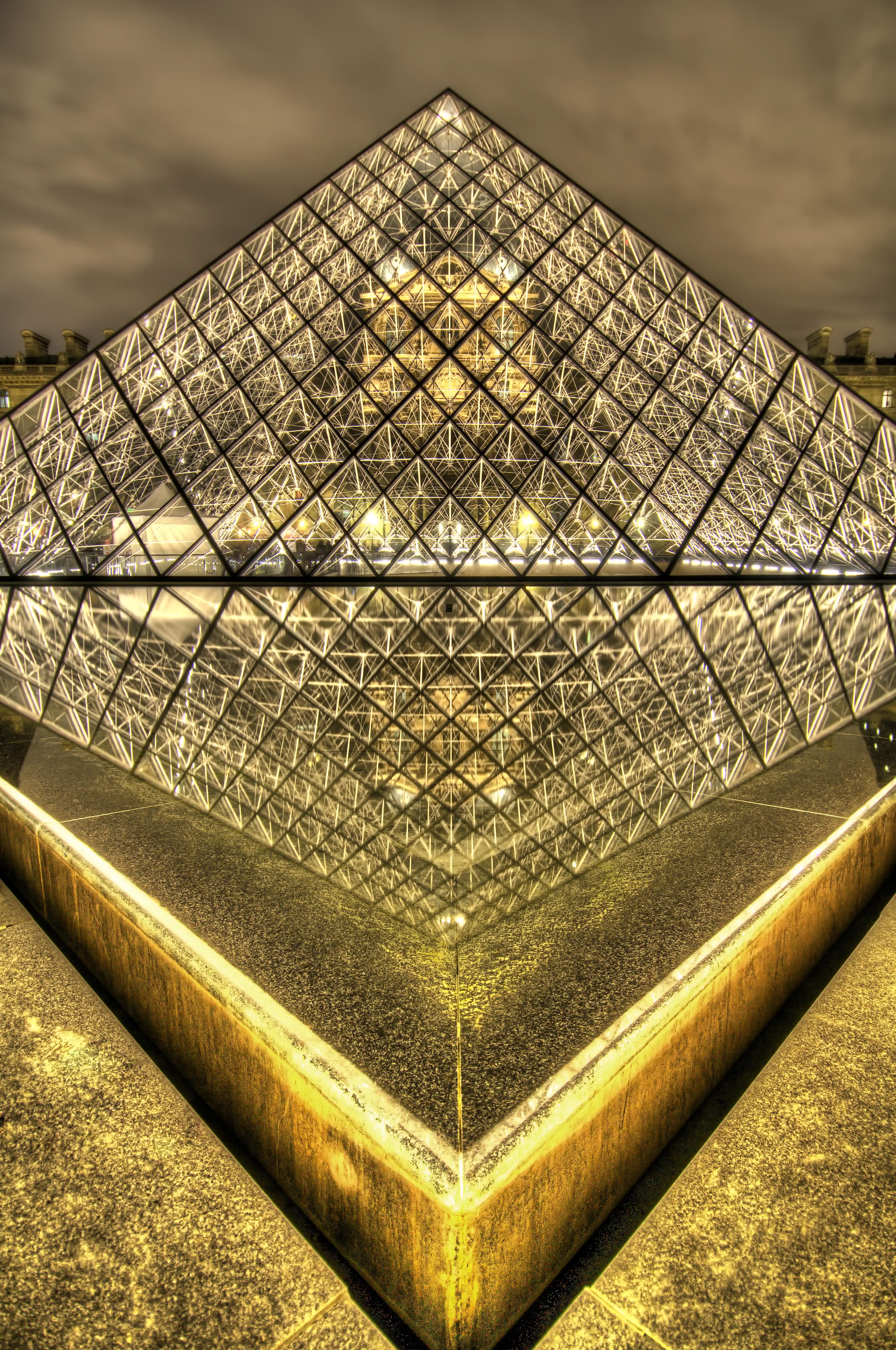 Paris france the louvre hdr places 2 explore for Architecte de pyramide
