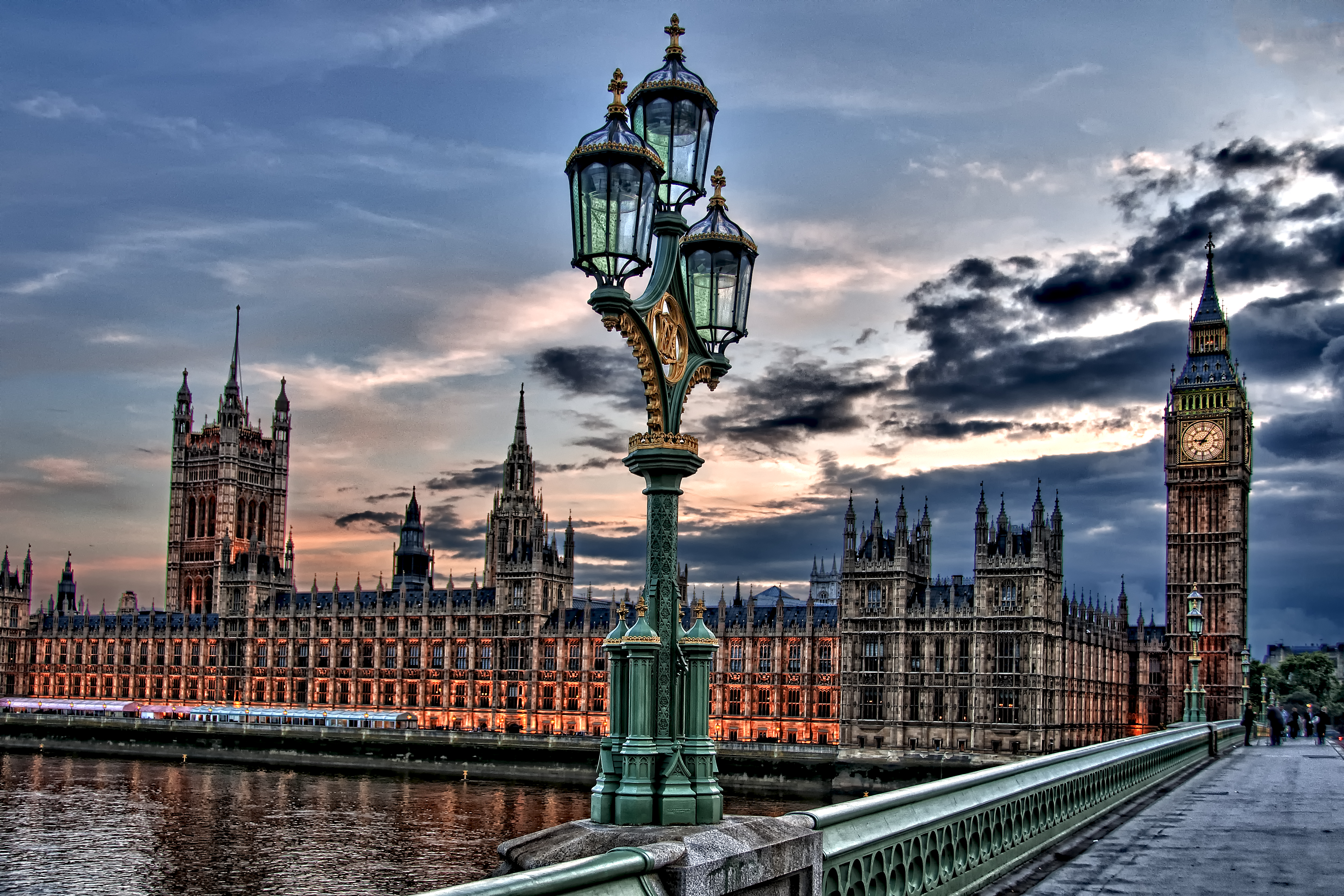 London, England – Street Light (HDR) + HDR Tip! « Places 2 ...